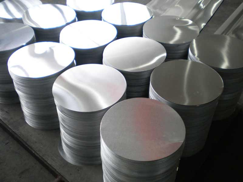 The Application of the aluminum circles/discs in kitchen utensils